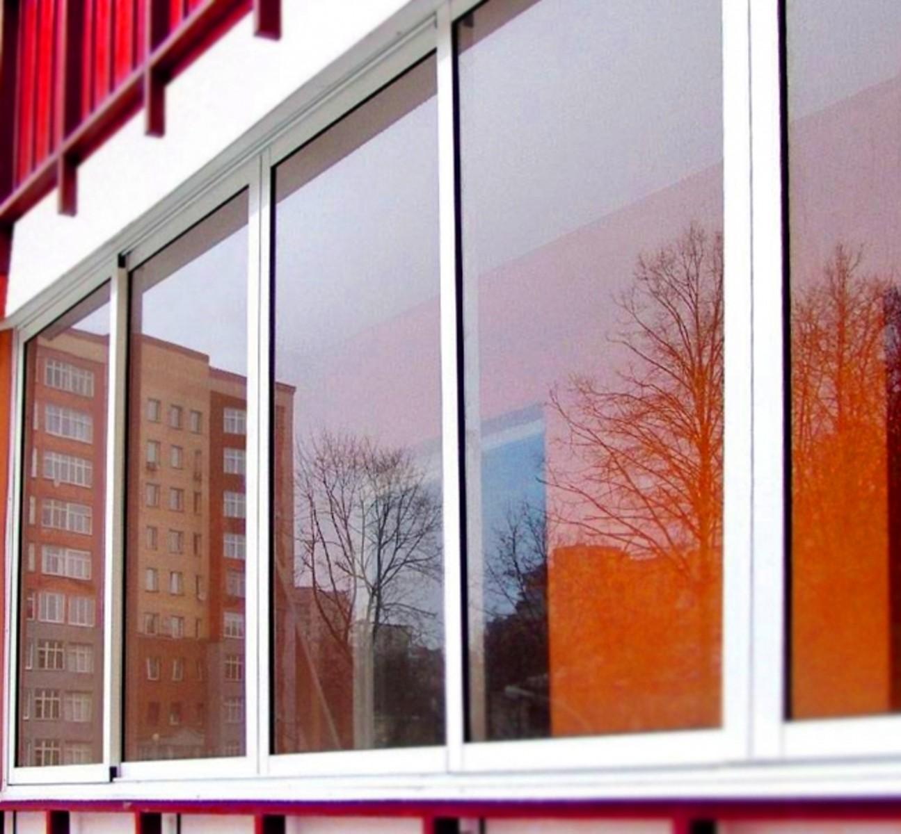 Алюминиевое остекление балконов и лоджий раздвижное.