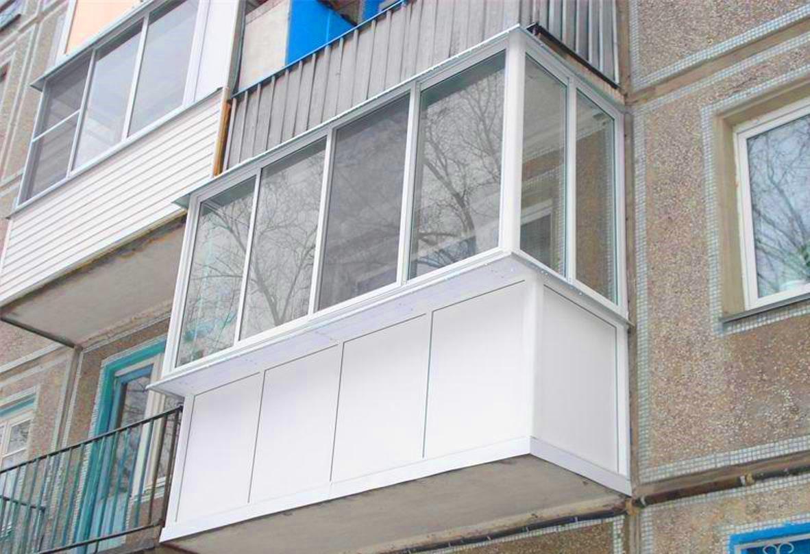 Максимально возможный вынос балкона утепленное остекление..