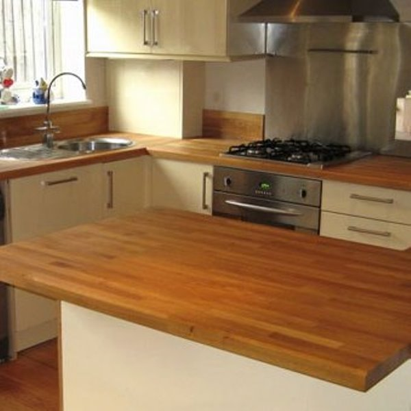 Плюсы и минусы деревянных кухонь